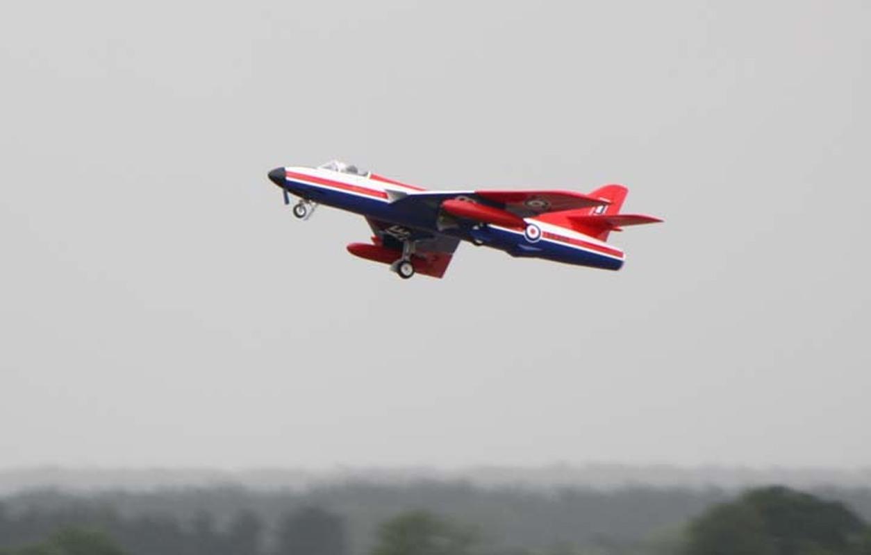 Fast jets.jpg